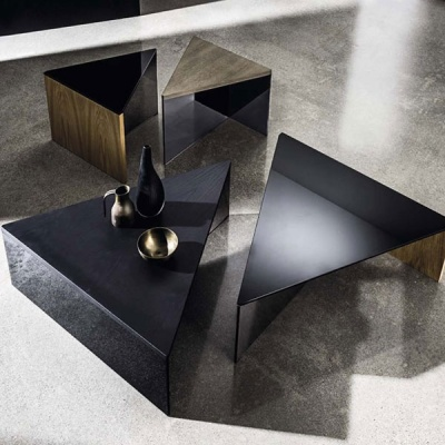 regolo-triangular-coffee-table1